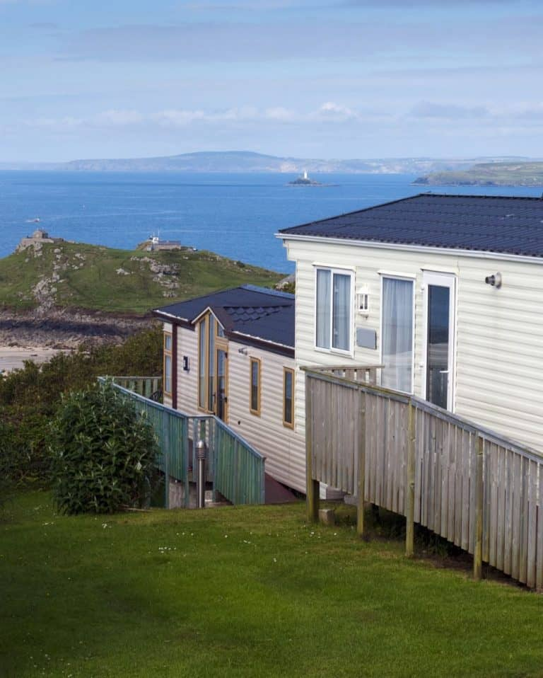 static caravan with view of sea - UK Holiday Parks